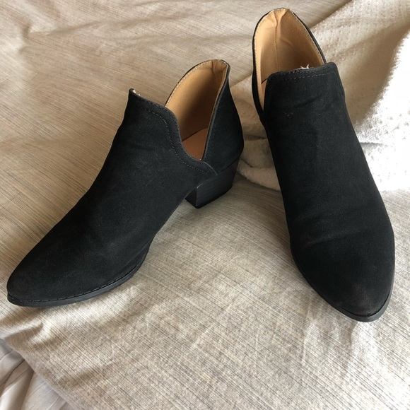9bab33ed45e845 Chase + Chloe Shoes - Felt Velvet Black Ankle Booties